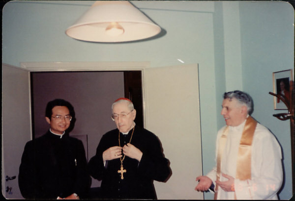 Pope Gregory XVII and Fr. Khoat 06/14/88 - Rome